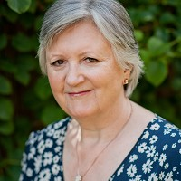 Linda Newbold Therapist